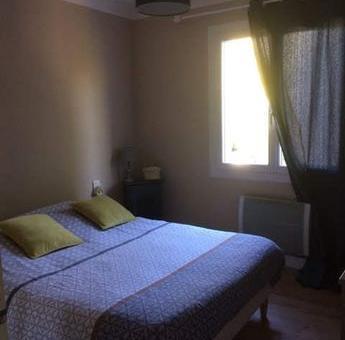 Appartement particulier, maison, de 80m² à Lagnes