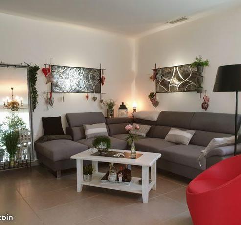 Location de particulier à particulier à Saint-Félix-de-Lodez, appartement maison de 90m²