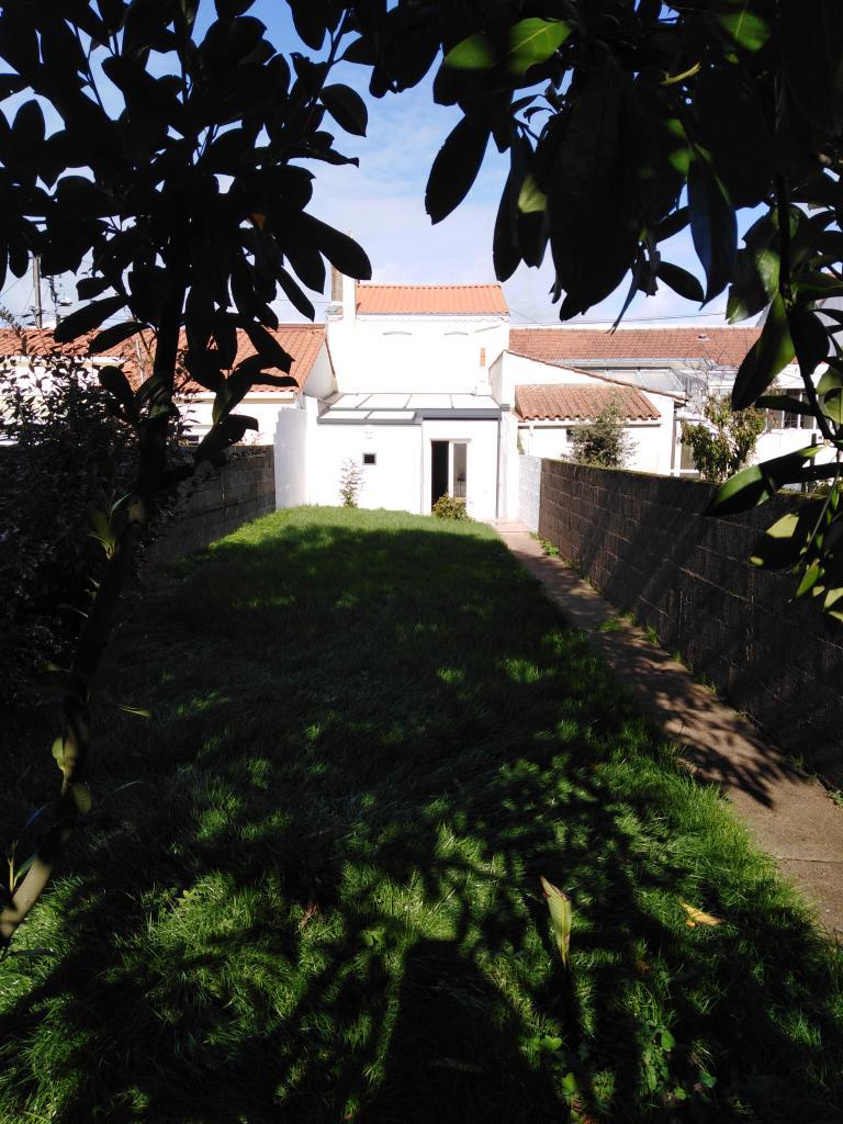 Entre particulier , maison, de 75m² à Mouilleron-le-Captif