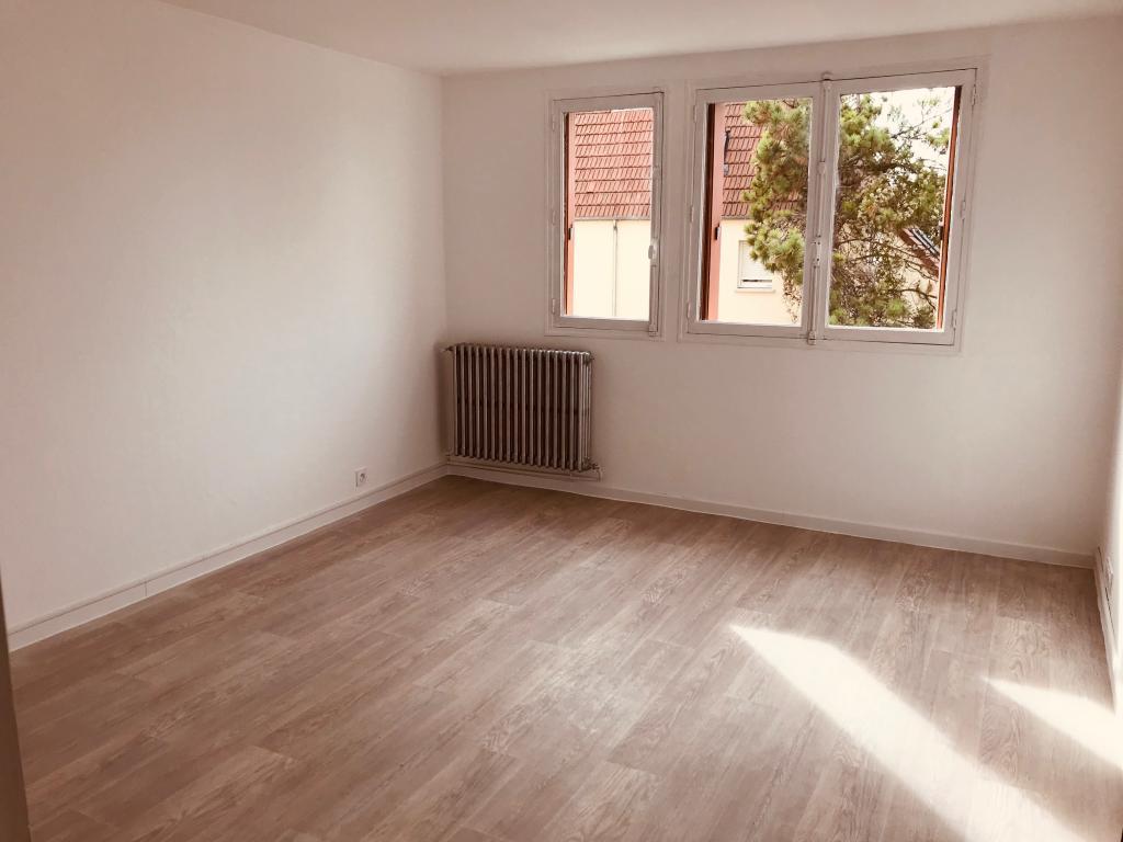 Location particulier à particulier, appartement à Saint-Pouange, 64m²
