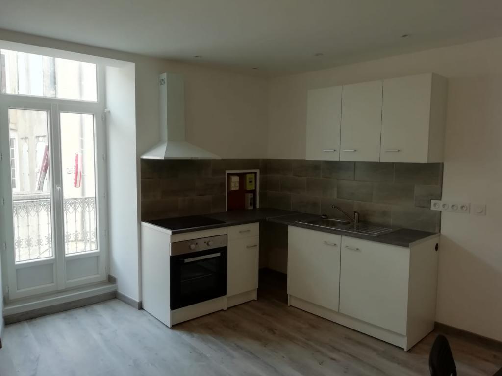Appartement particulier à Vénéjan, %type de 45m²
