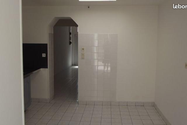 Entre particulier , maison, de 65m² à Remaucourt
