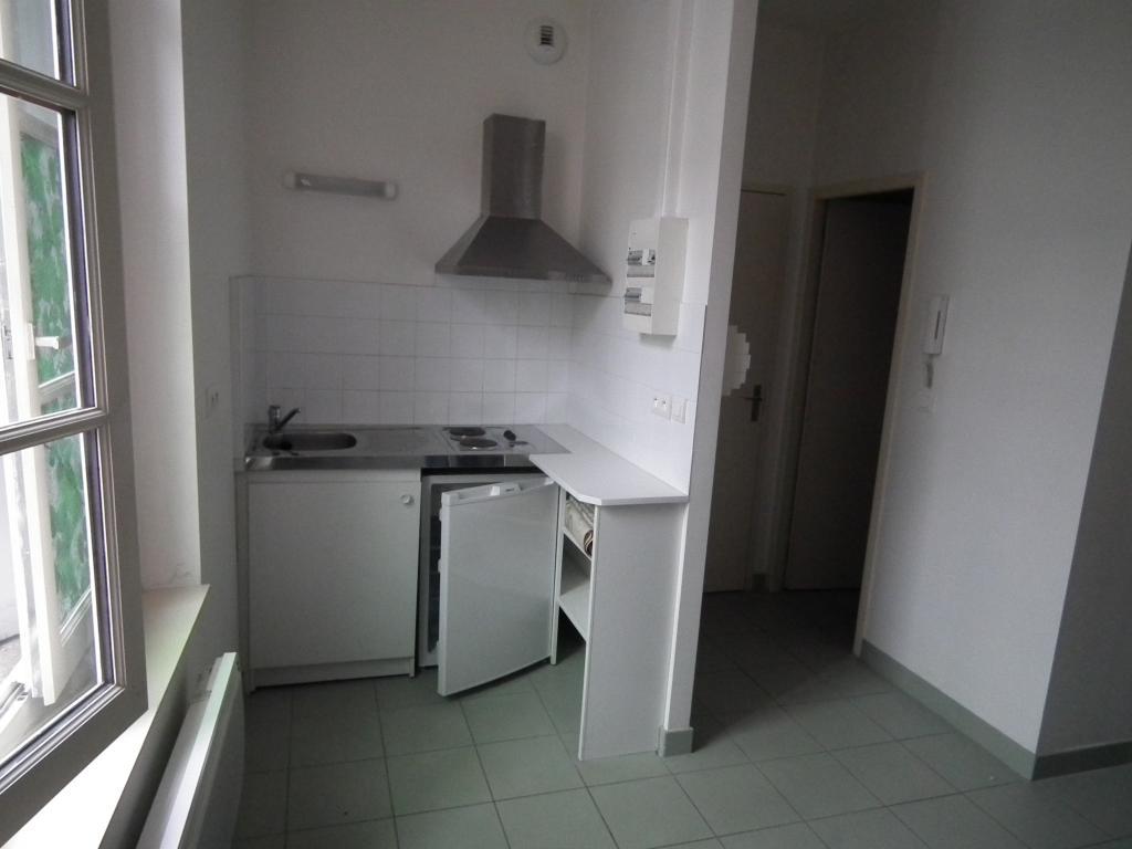 Location appartement entre particulier Birac-sur-Trec, de 21m² pour ce studio
