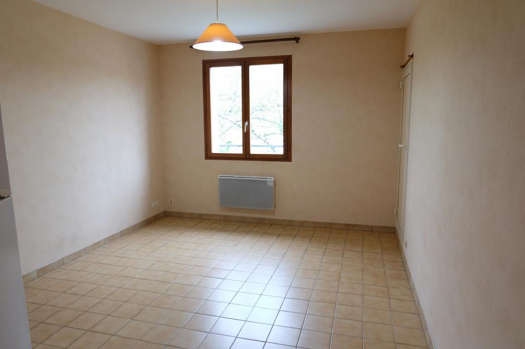 Particulier location, appartement, de 32m² à Saint-Sulpice-de-Pommeray