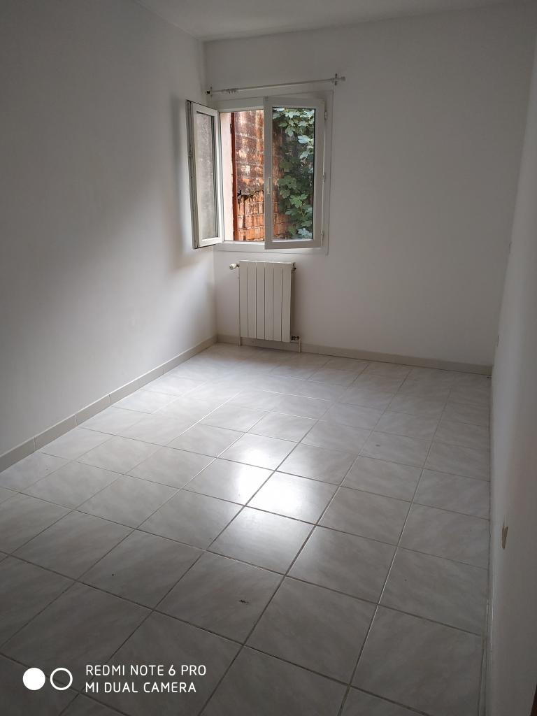 De particulier à particulier , appartement, de 52m² à Saint-Félix-de-Lodez