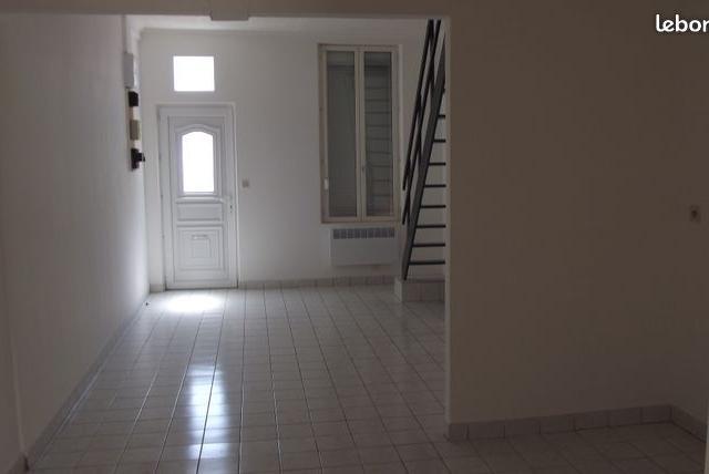Location appartement par particulier, maison, de 65m² à Remaucourt