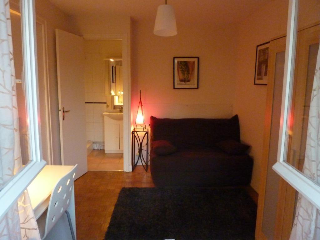 De particulier à particulier, appartement à Pau, 30m²