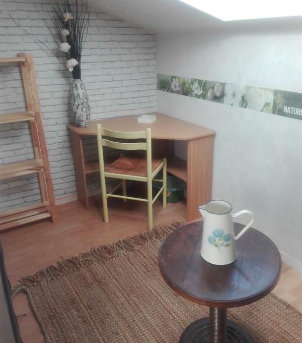 Location appartement entre particulier Vœuil-et-Giget, chambre de 10m²