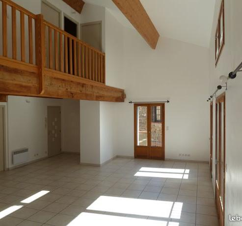 Location appartement T4 Fourques - Photo 1
