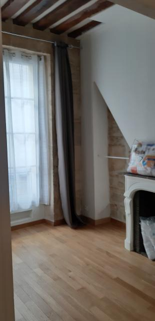Location appartement T3 Paris 06 - Photo 3