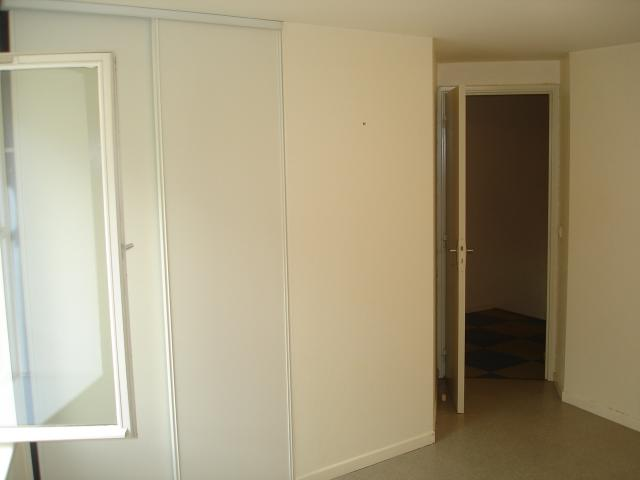 Location maison F3 Enval - Photo 4