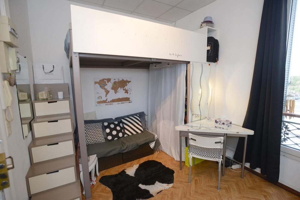 location de studio meubl entre particuliers marseille 13007 450 18 m. Black Bedroom Furniture Sets. Home Design Ideas