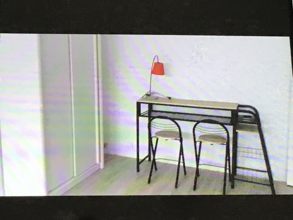 location d 39 appartement t1 meubl entre particuliers au mans 380 33 m. Black Bedroom Furniture Sets. Home Design Ideas