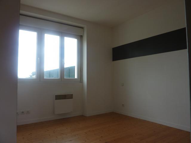 location d 39 appartement t2 entre particuliers vannes 410 30 m. Black Bedroom Furniture Sets. Home Design Ideas