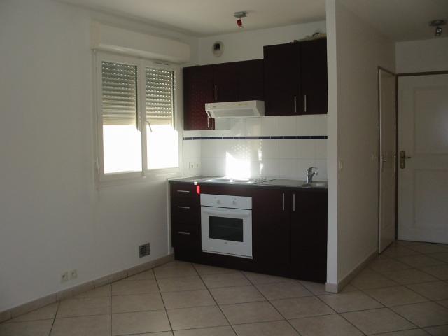 location appartement lyon 8 entre particuliers. Black Bedroom Furniture Sets. Home Design Ideas