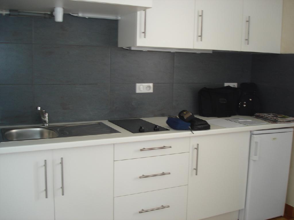 Location d 39 appartement t1 de particulier dijon 505 for Combien coute une cuisine amenagee