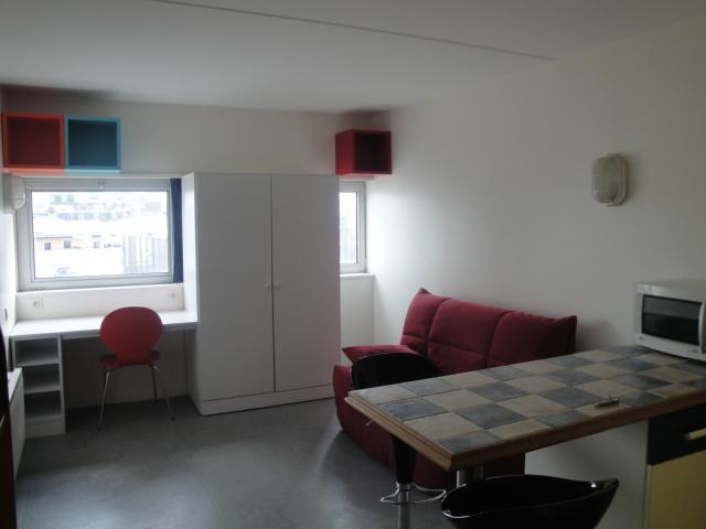 location de studio meubl sans frais d 39 agence brest 350 18 m. Black Bedroom Furniture Sets. Home Design Ideas
