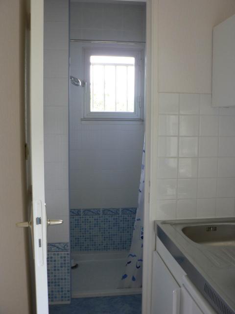 location de studio meubl de particulier au rheu 358. Black Bedroom Furniture Sets. Home Design Ideas
