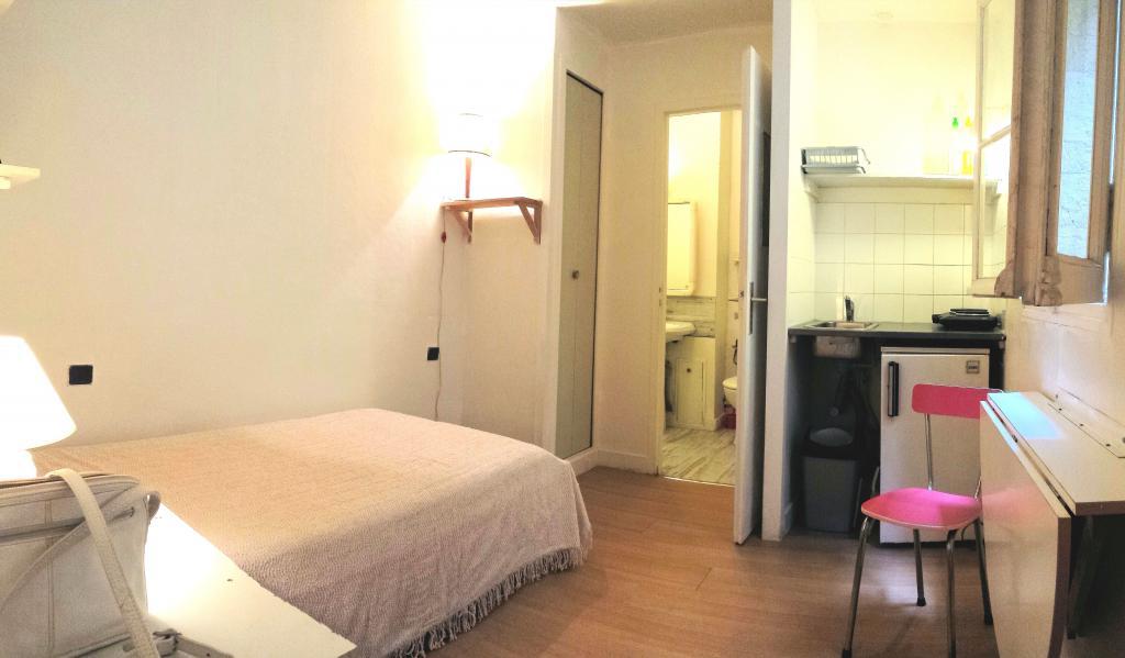 location de studio meubl entre particuliers bordeaux 370 15 m. Black Bedroom Furniture Sets. Home Design Ideas