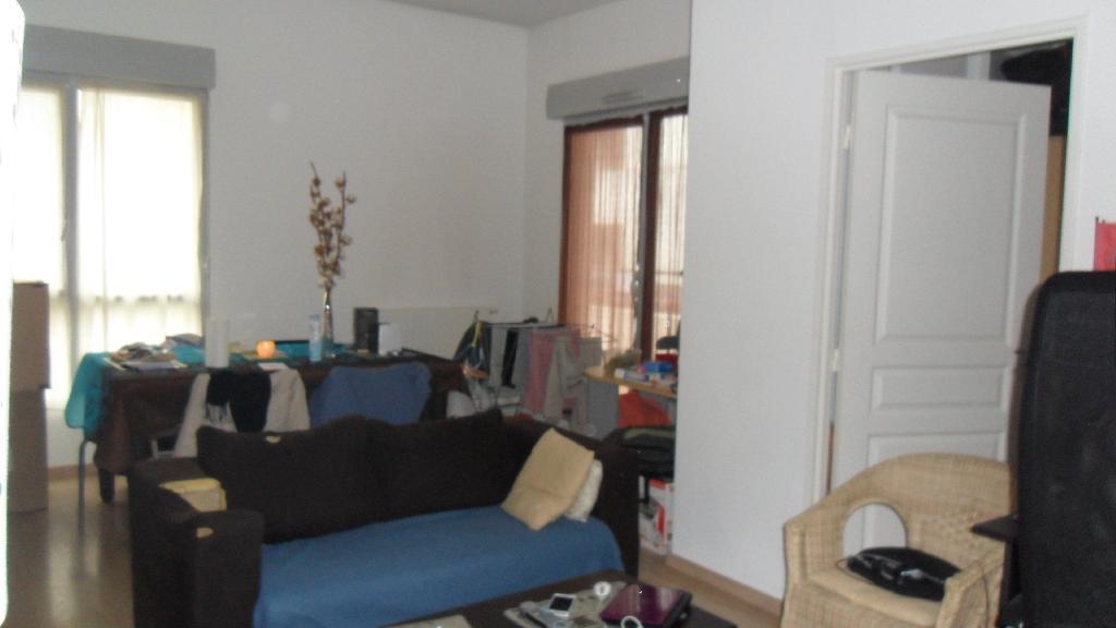 location d 39 appartement de particulier particulier la riche 560 47 m. Black Bedroom Furniture Sets. Home Design Ideas