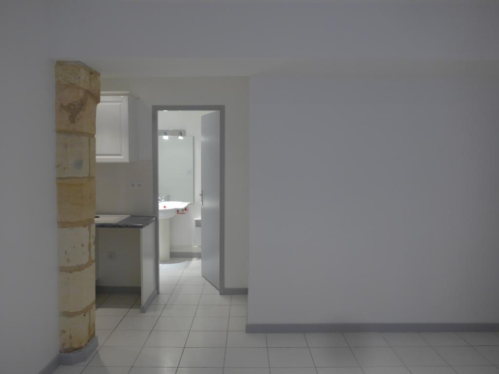 Location de studio entre particuliers bordeaux 560 for Louer studio a bordeaux