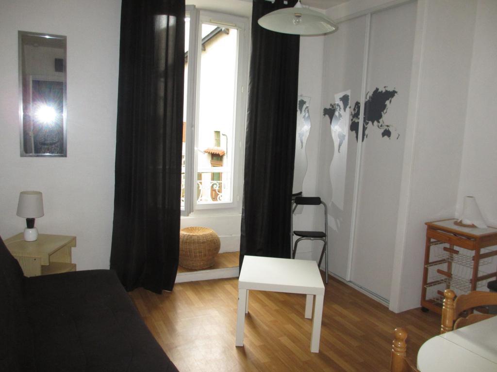 Location de particulier à particulier à Naucelles, appartement studio de 18m²