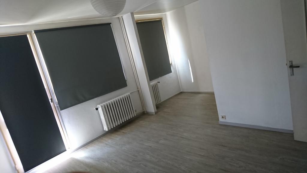 Particulier location, appartement, de 29m² à Évreux