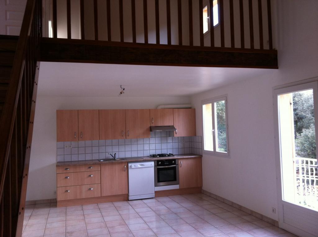 Location de particulier à particulier, appartement, de 85m² à Éguilles