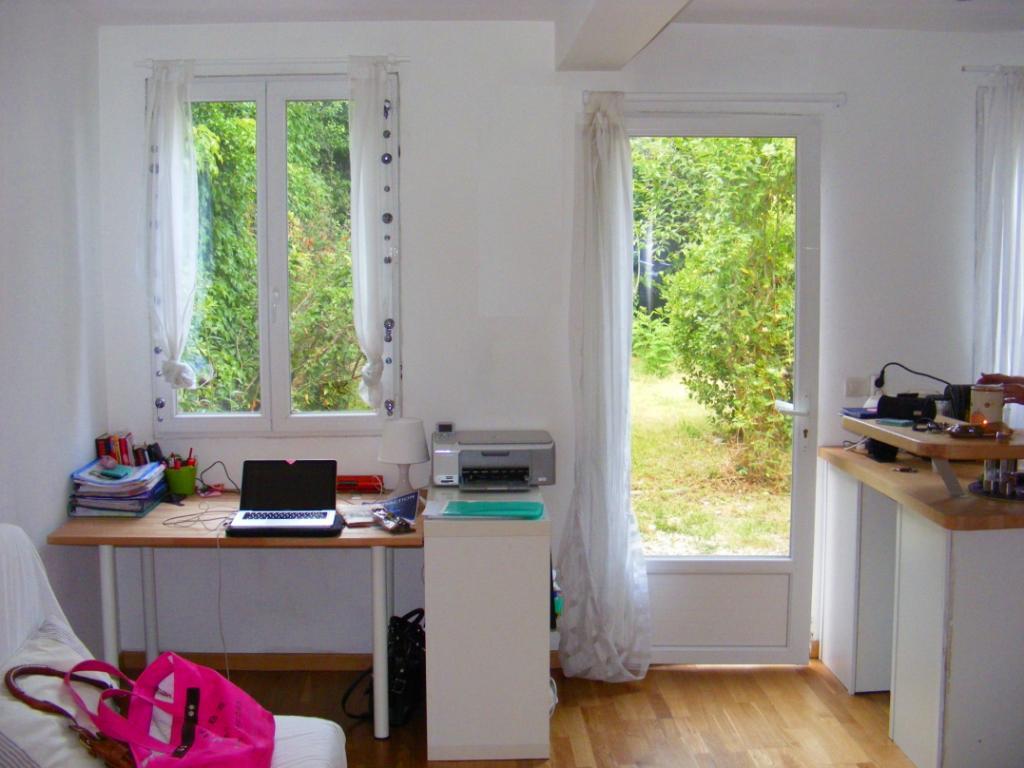 location de studio meubl de particulier particulier bordeaux 650 21 m. Black Bedroom Furniture Sets. Home Design Ideas