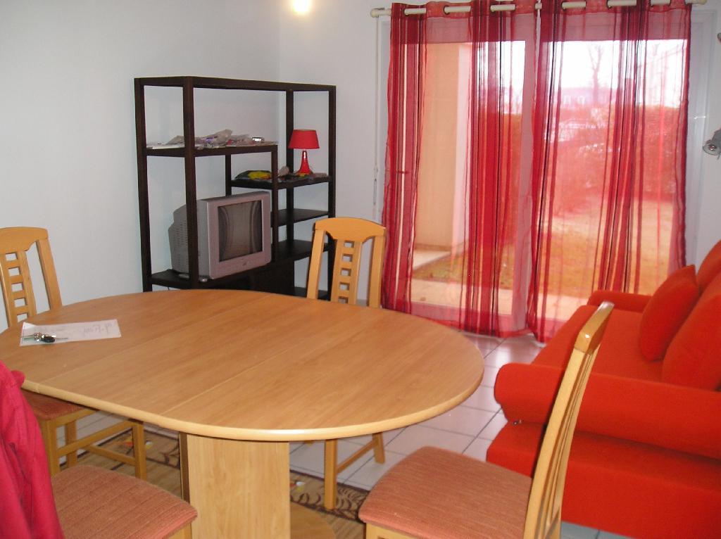 location d 39 appartement t3 meubl de particulier vannes 660 59 m. Black Bedroom Furniture Sets. Home Design Ideas