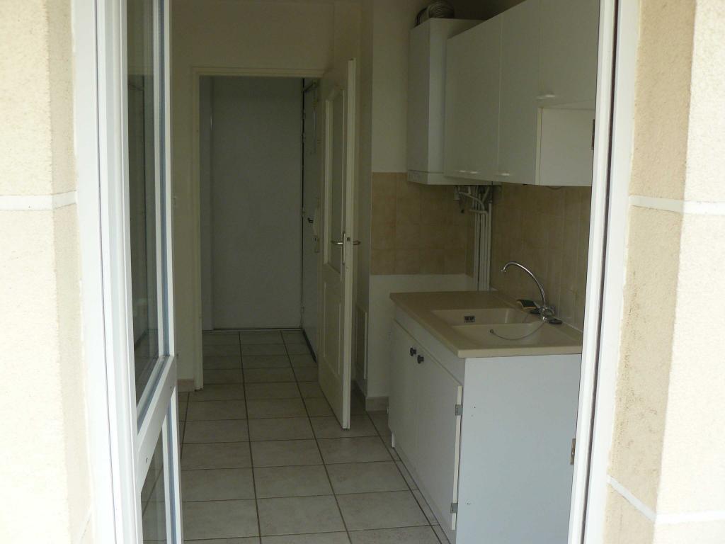 location d 39 appartement t2 entre particuliers dijon 730 57 m. Black Bedroom Furniture Sets. Home Design Ideas
