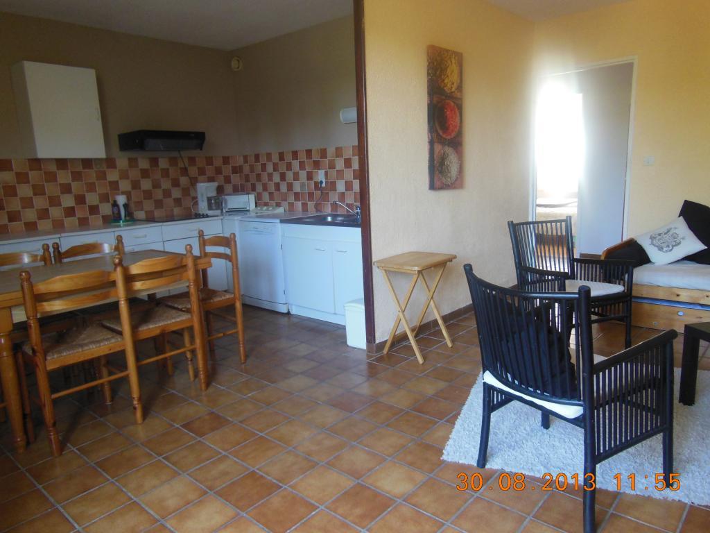 location de t2 meubl de particulier particulier draguignan 720 46 m. Black Bedroom Furniture Sets. Home Design Ideas