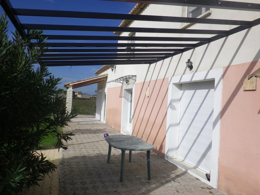 location de maison f5 meubl e de particulier bagnols sur ceze 940 105 m. Black Bedroom Furniture Sets. Home Design Ideas