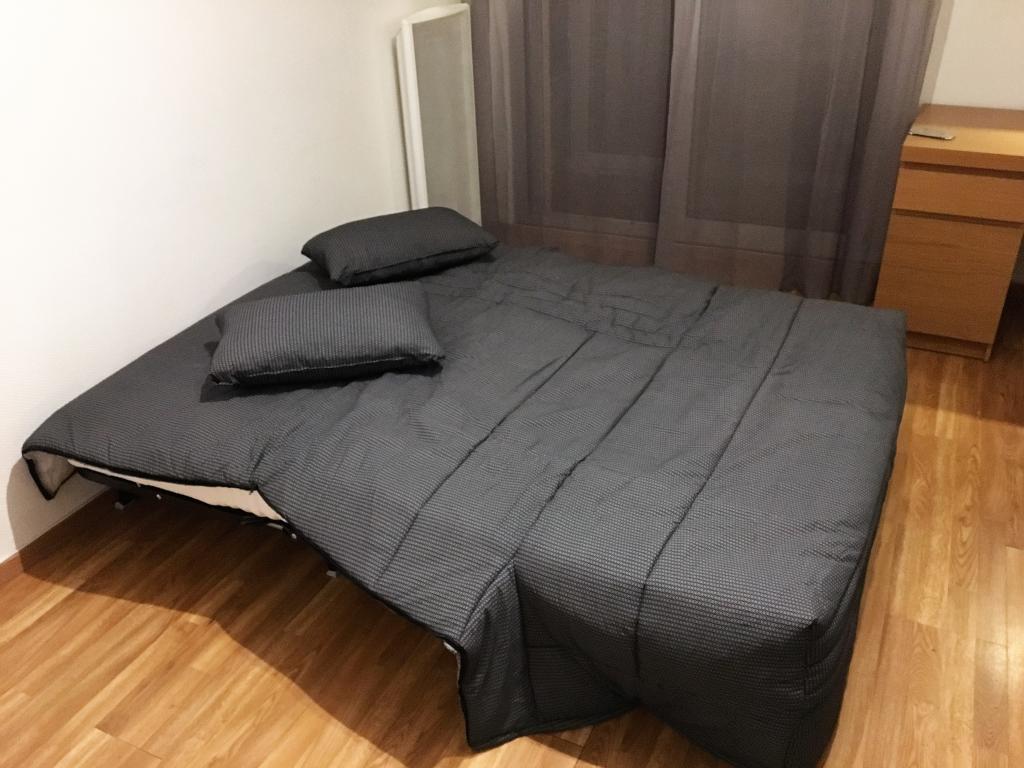location de studio meubl de particulier marseille 13005 540 24 m. Black Bedroom Furniture Sets. Home Design Ideas
