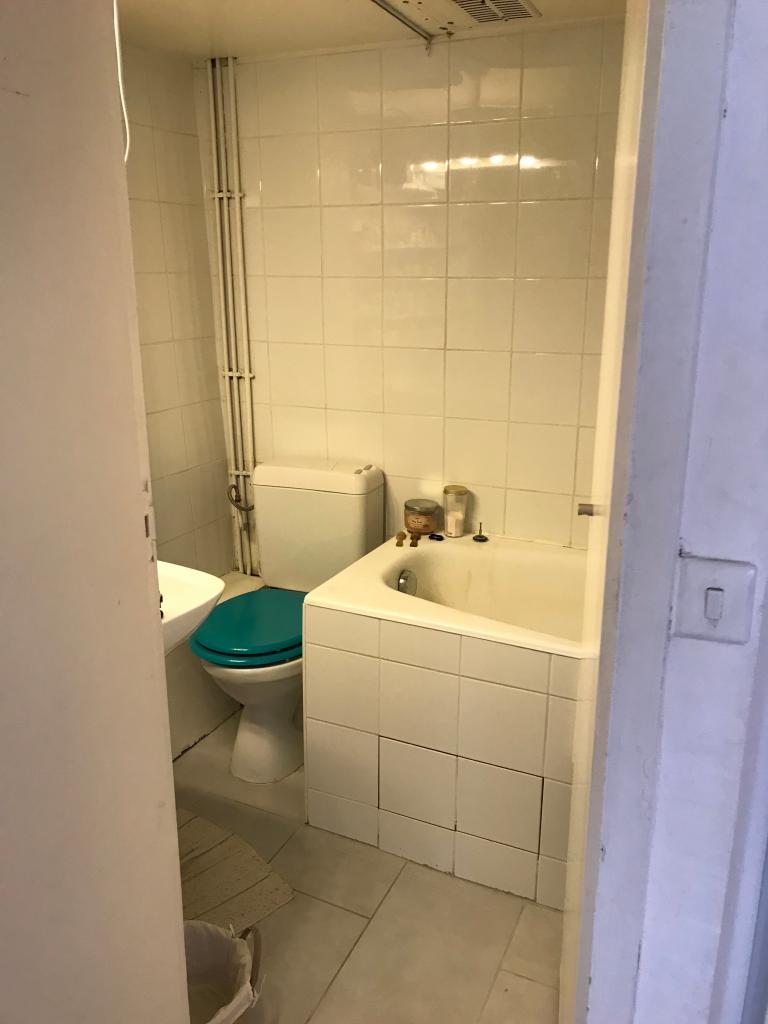 location de studio meubl de particulier particulier paris 75005 835 19 m. Black Bedroom Furniture Sets. Home Design Ideas