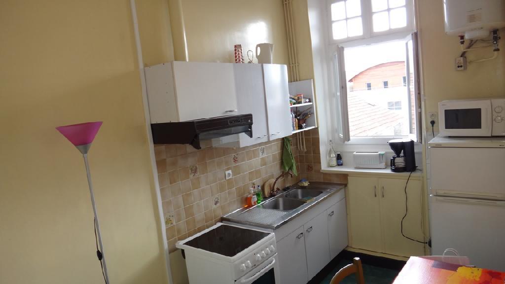 Location d 39 appartement t1 meubl sans frais d 39 agence pau for Combien coute une cuisine equipee