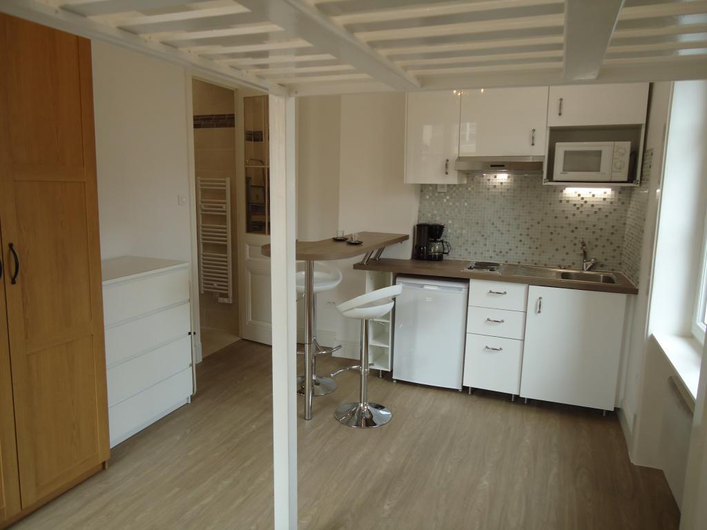 Location de studio meubl sans frais d 39 agence lyon for Location studio meuble lyon