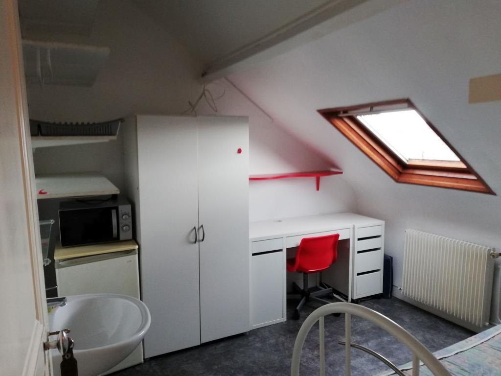 Location appartement entre particulier Amiens, chambre de 11m²