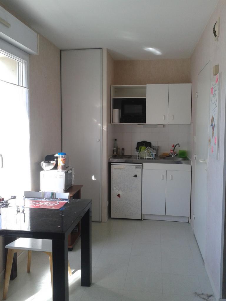 location d 39 appartement t1 de particulier angers 355 24 m. Black Bedroom Furniture Sets. Home Design Ideas