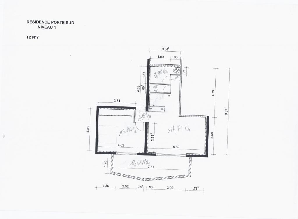location d 39 appartement t2 entre particuliers nimes 650 66 m. Black Bedroom Furniture Sets. Home Design Ideas