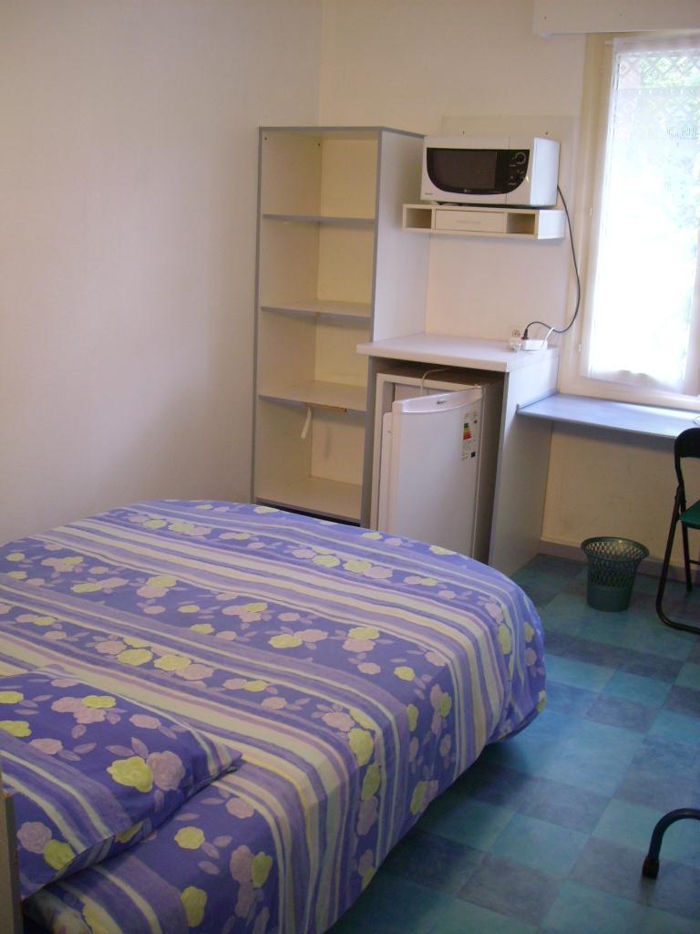 De particulier à particulier Savonnières, appartement chambre, 15m²