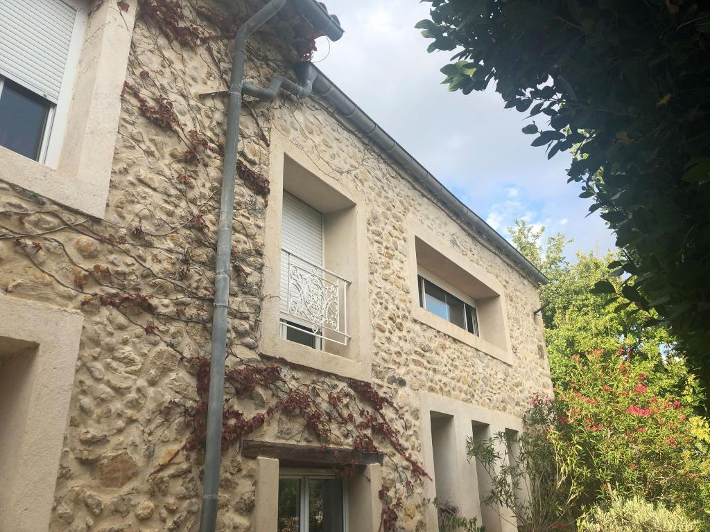 Appartement particulier à Sainte-Tulle, %type de 90m²