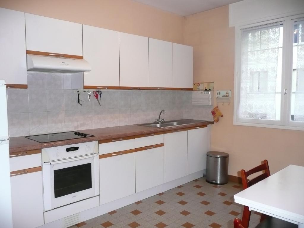 location d 39 appartement t2 meubl entre particuliers grenoble 755 54 m. Black Bedroom Furniture Sets. Home Design Ideas