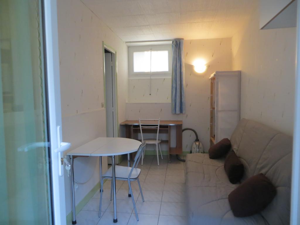 Location de studio meubl de particulier palaiseau 550 for Meubles scandinaves palaiseau