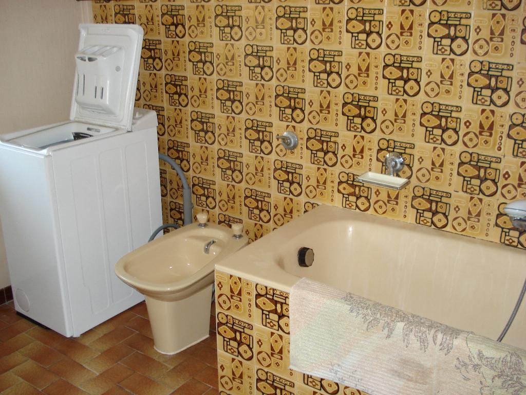 location de studio meubl de particulier marseille. Black Bedroom Furniture Sets. Home Design Ideas