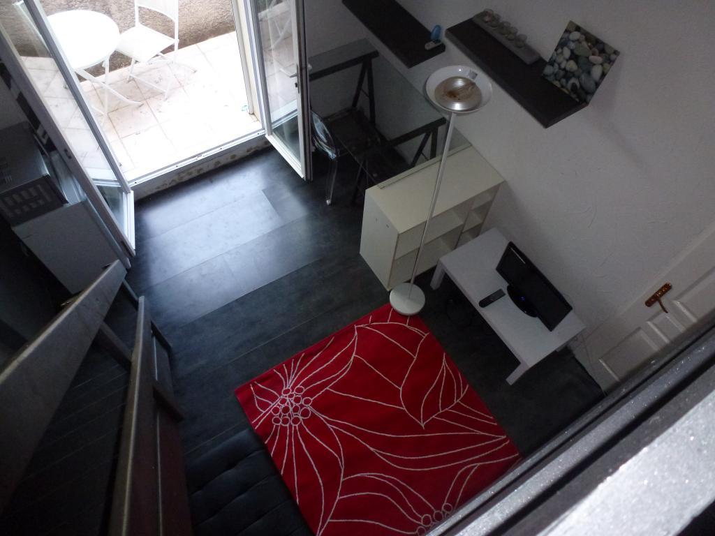 Entre particulier , studio, de 15m² à Combaillaux