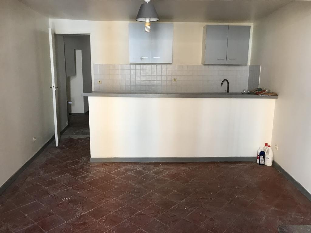 Location immobilière par particulier, Salon-de-Provence, type appartement, 55m²