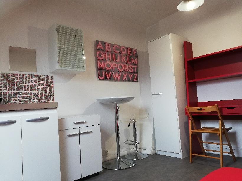 De particulier à particulier , chambre, de 13m² à Amiens