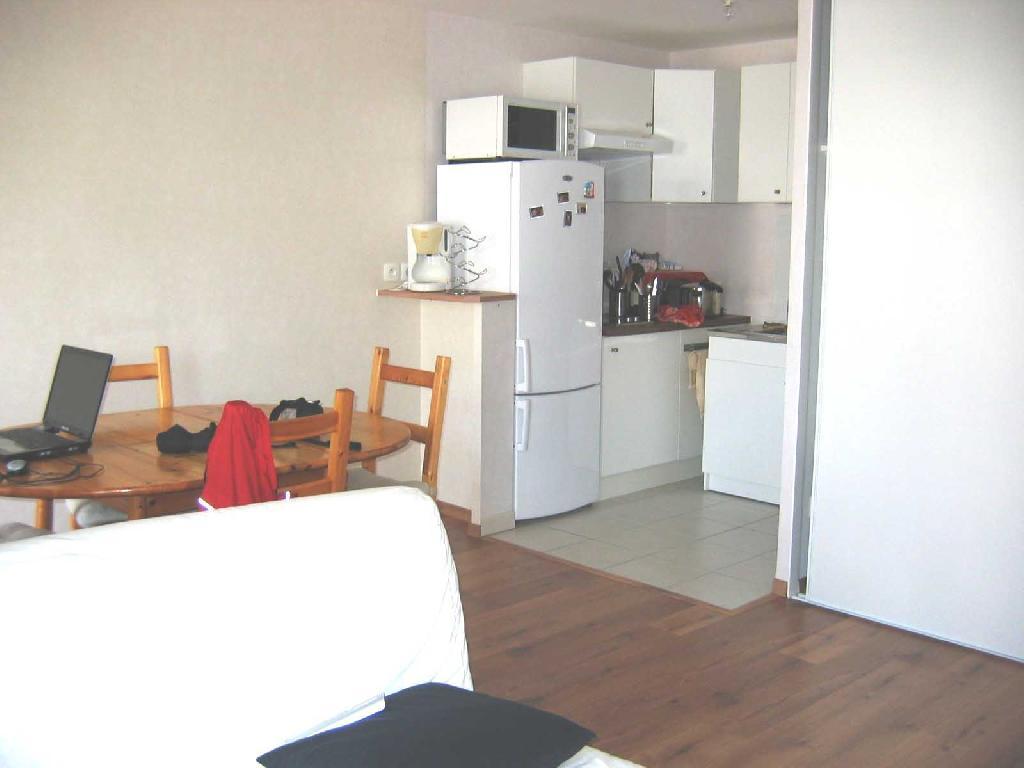 location d 39 appartement t2 de particulier particulier mordelles 490 41 m. Black Bedroom Furniture Sets. Home Design Ideas