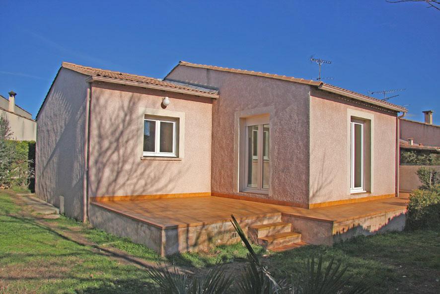 location de maison f4 de particulier particulier nimes 930 92 m. Black Bedroom Furniture Sets. Home Design Ideas